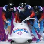 Бобслейная четвёрка Александра Зубкова лидирует после двух заездов на олимпийском турнире!